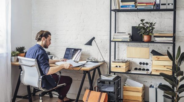 Pros and Cons of Home Office vs. Executive Office Rentals